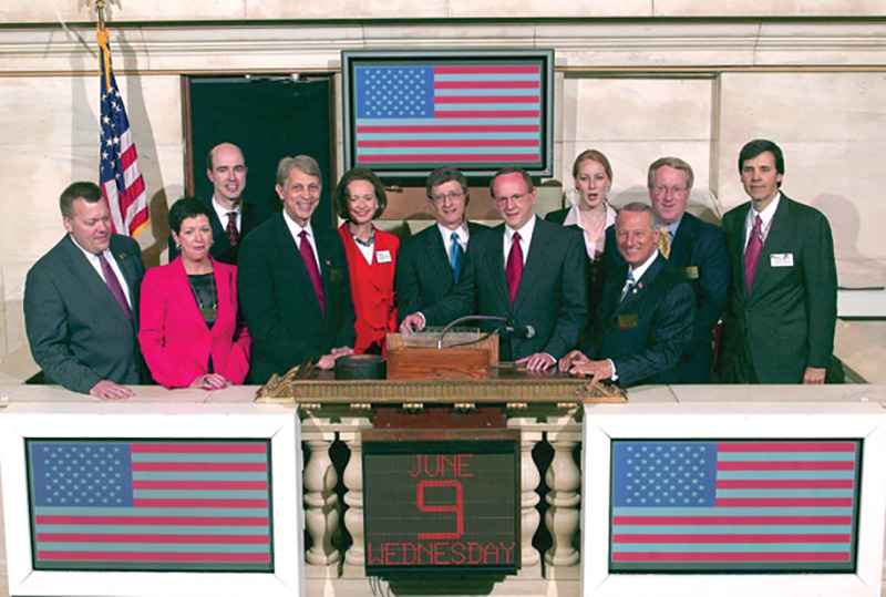 Inland Executives ring the New York Stock Exchange opening bell on June 10, 2004 for Inland Real Estate Corporation